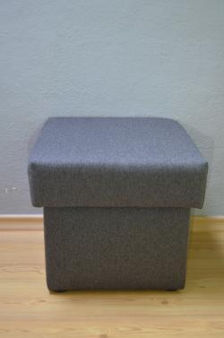 Taburet čalouněný šedý