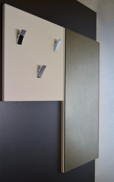Předsíňová stěna čtverec velký + zrcadlo vysoké