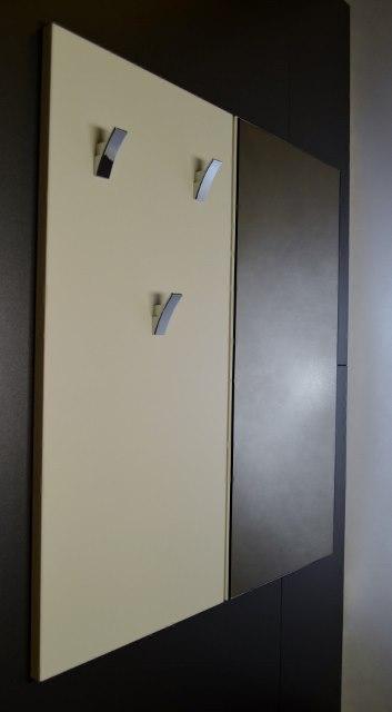 Předsíňová stěna: obdélník vysoký + zrcadlo obdélník vysoký 01